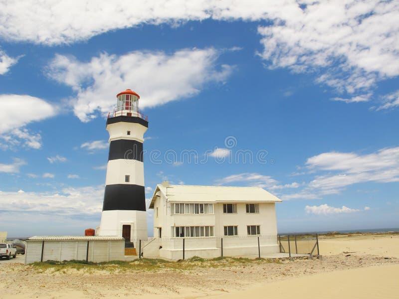 Faro de Recife del cabo en la bahía de Angola en Port Elizabeth en la costa de la sol, Suráfrica imagen de archivo libre de regalías