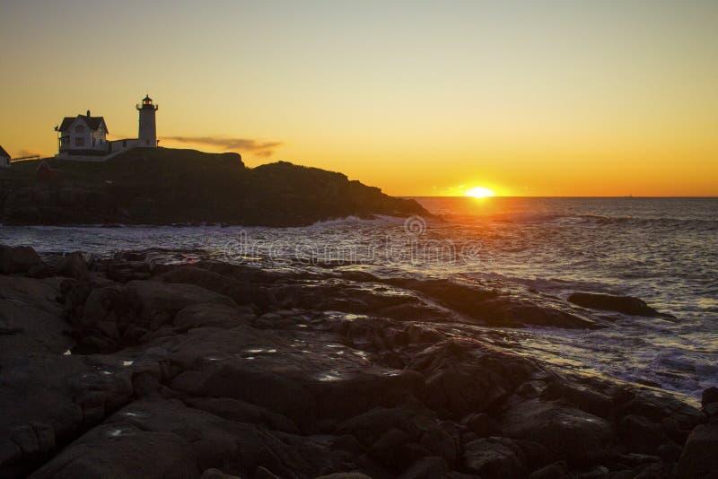 Faro del ` de la protuberancia pequeña del ` de Neddick del cabo, York, Maine foto de archivo libre de regalías