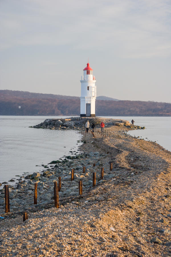 Faro del mayak di Tokarevskiy in Vladivostok, Russia immagini stock libere da diritti