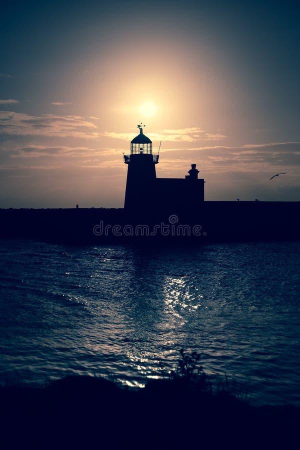 Faro del puerto Howth dublín irlanda imagen de archivo