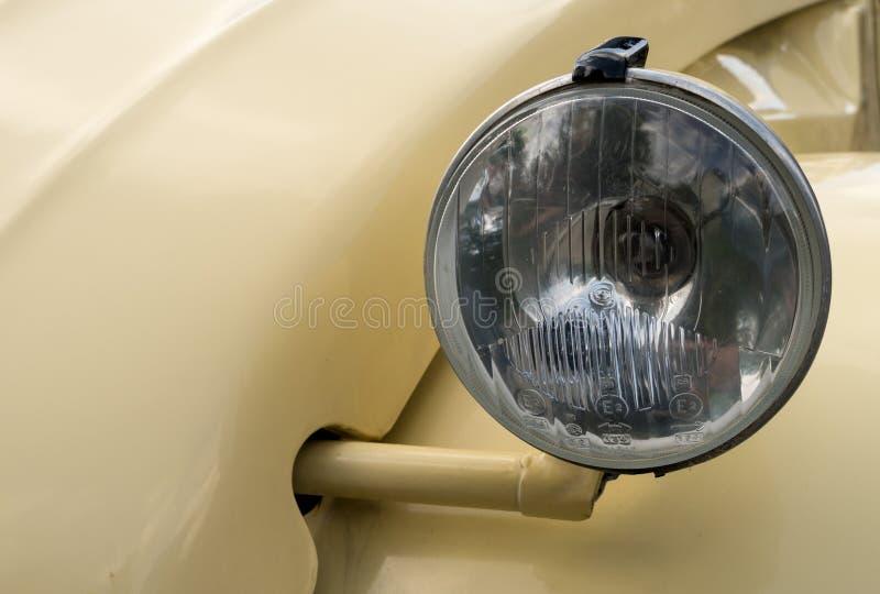 Faro di Citroen ristabilito 1965 2CV immagine stock