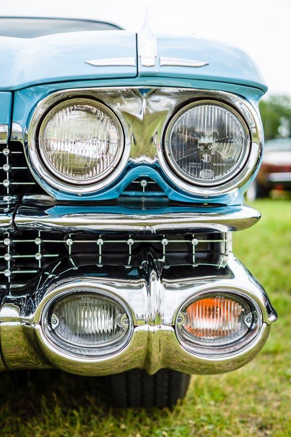 Faro di un coupé di lusso 100% DeVille, 1959 di Cadillac dell'automobile fotografia stock libera da diritti