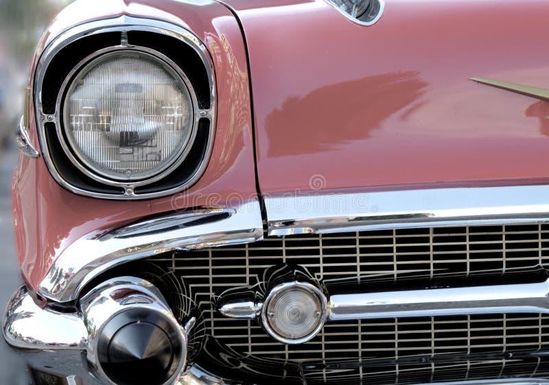 Faro e griglia dell'automobile antica immagini stock