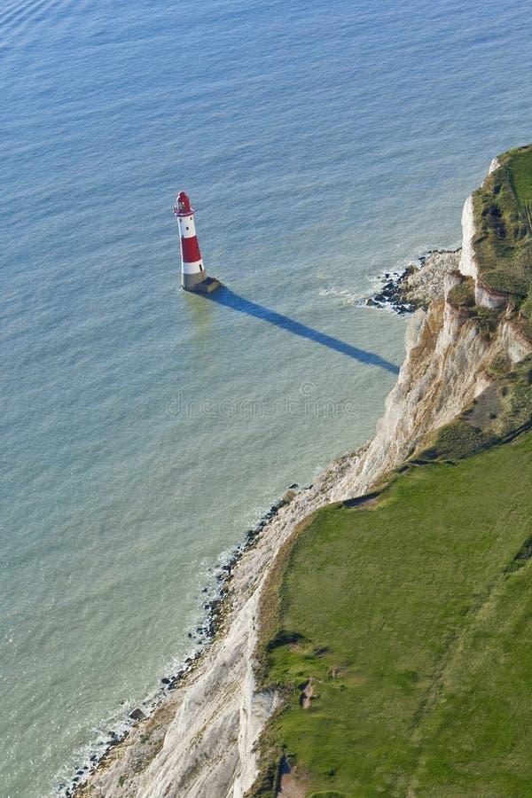 Faro el al frente con playas, Sussex del este, inglés imagen de archivo libre de regalías
