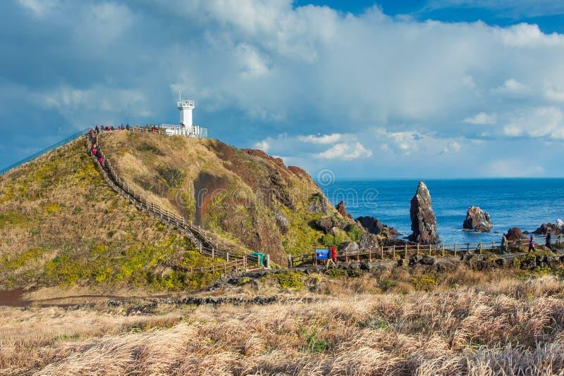 Faro en la isla de Jeju del soporte de Seopjikoji, Corea del Sur imagen de archivo libre de regalías