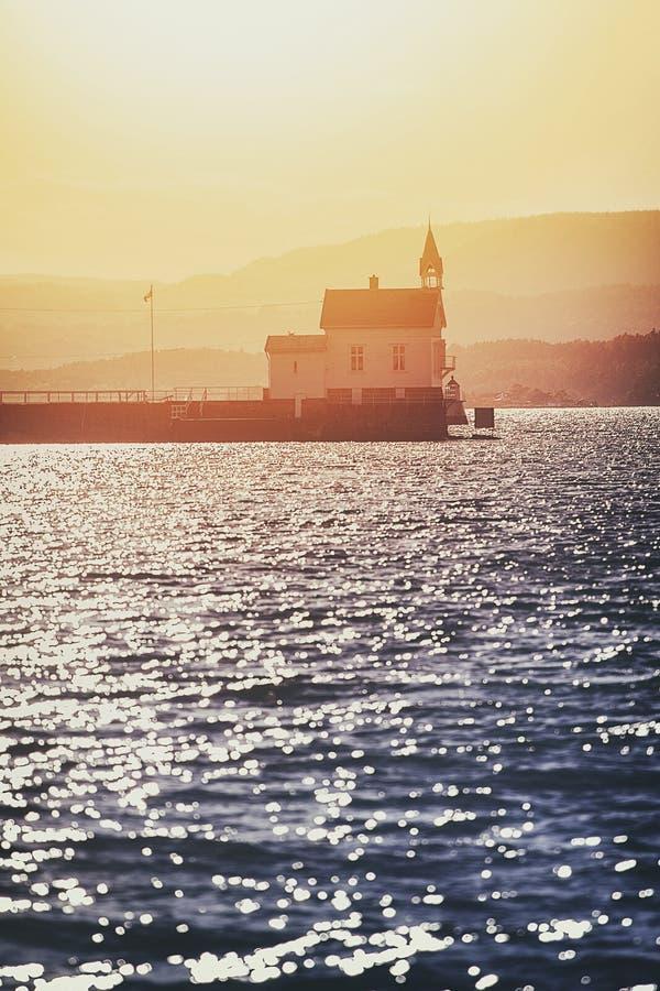 Faro en vecinity del puerto de Olso fotografía de archivo libre de regalías