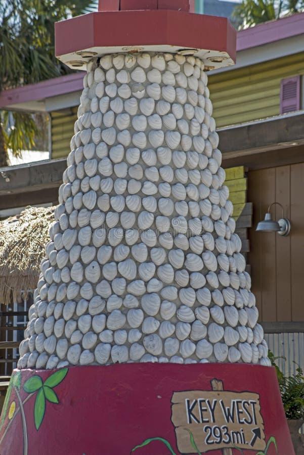 Faro hecho de conchas marinas en Key West fotografía de archivo libre de regalías