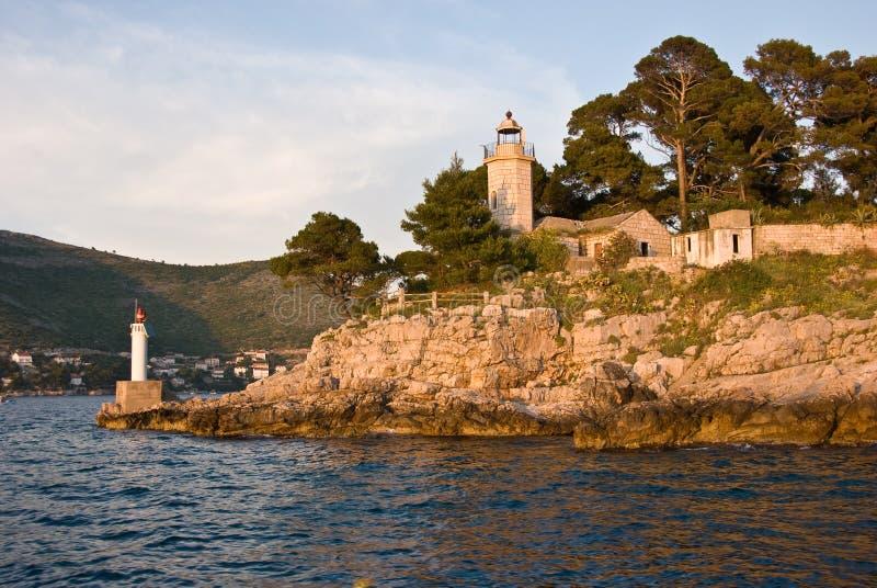 Faro nella baia di Dubrovnik fotografie stock libere da diritti