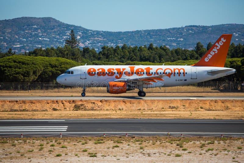Download FARO, PORTUGAL - Juny 30, 2017: EasyJet Flug-Flugzeugabfahrt Von Internationalem Flughafen Faros Flughafen Redaktionelles Foto - Bild von flugzeug, abend: 96933841