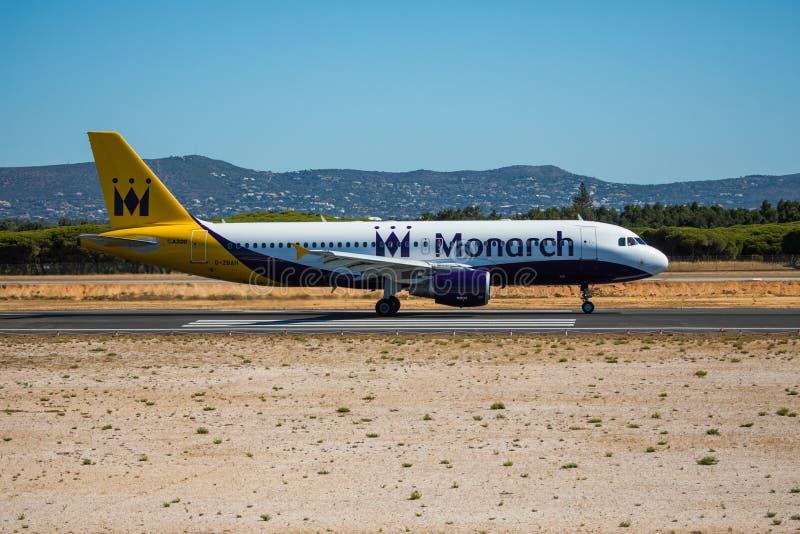Download FARO, PORTUGAL - Juny 30, 2017: Monarch-Flugflugzeugabfahrt Von Internationalem Flughafen Faros Monarch Ist Eine Britische Flugli Redaktionelles Stockbild - Bild von abend, ladung: 96933419