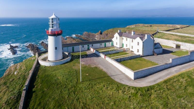 Faro principal de la galera Corcho del condado irlanda imagen de archivo