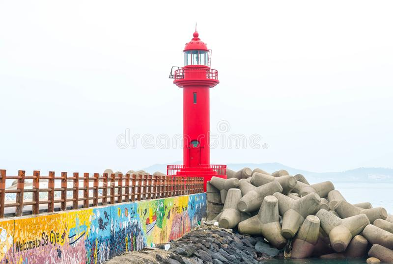 faro rojo en la isla de Jeju fotografía de archivo libre de regalías