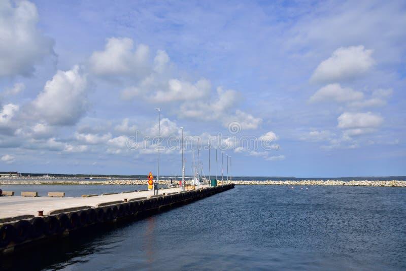 Faro schronienie w Sweden na wyspie Gotland zdjęcia royalty free