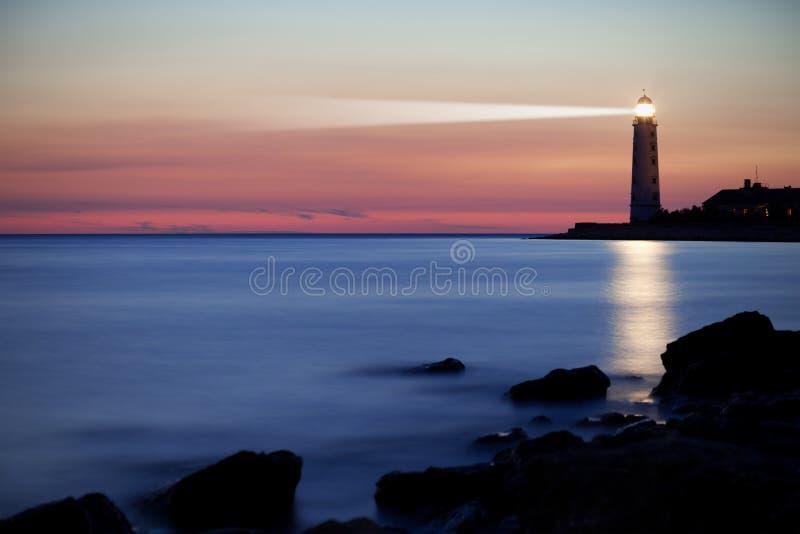 Faro sul litorale immagine stock libera da diritti