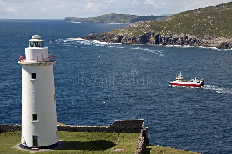 FAROL, CORTIÇA DO CO, IRELAND fotos de stock