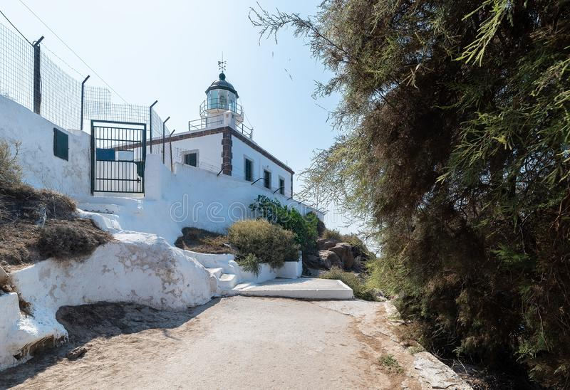 Farol de Akrotiri - ilha de Santorini Cyclades - Mar Egeu - G foto de stock royalty free
