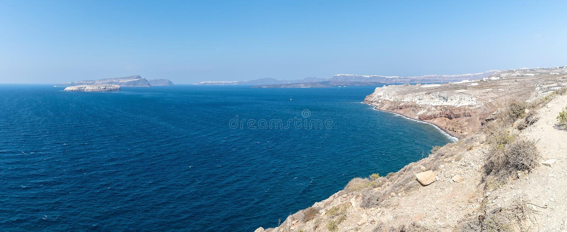 Farol de Akrotiri - ilha de Santorini Cyclades - Mar Egeu - G imagem de stock
