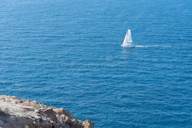 Farol de Akrotiri - ilha de Santorini Cyclades - Mar Egeu - G fotos de stock