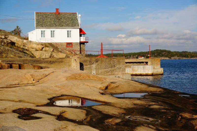 Farol de Stromtangen em Kragero, Noruega imagem de stock