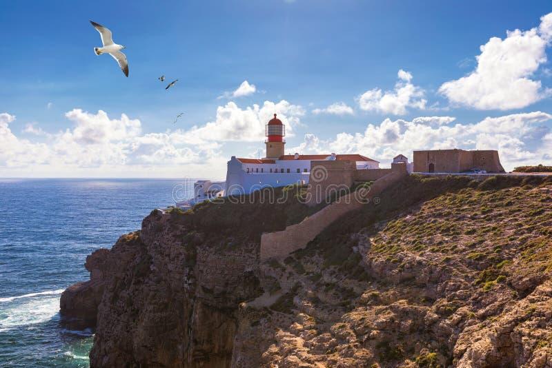 Farol do Cabo São Vicente, Sagres, Portugal Farol do Cabo São Vicente construída em outubro de 1851 Cabo de São Vicente é o imagem de stock