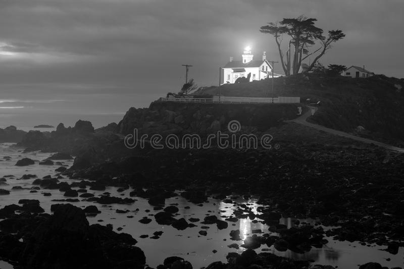 Farol do ponto da bateria de Crescent City California Pacific Coast fotos de stock