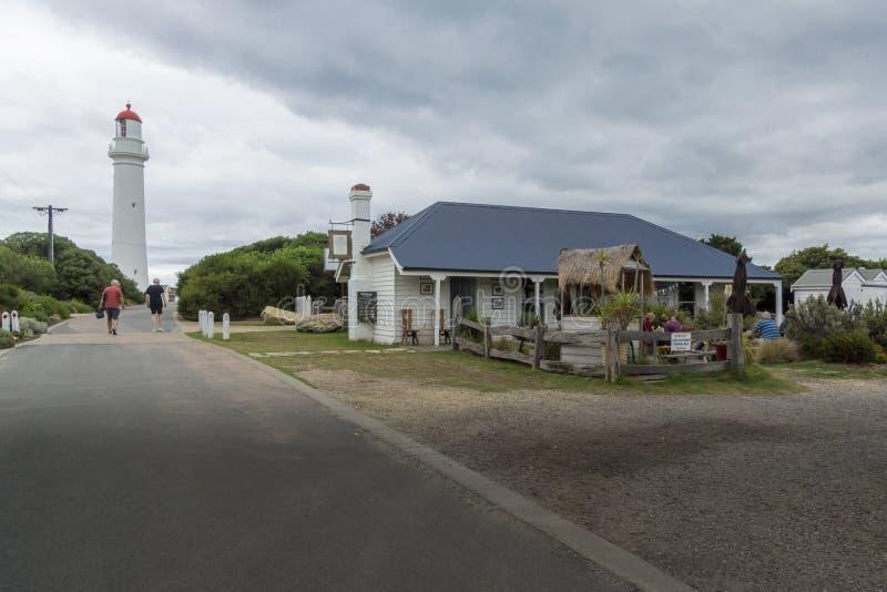 Farol do ponto e casa de chá rachados, Victoria, Austrália imagens de stock royalty free