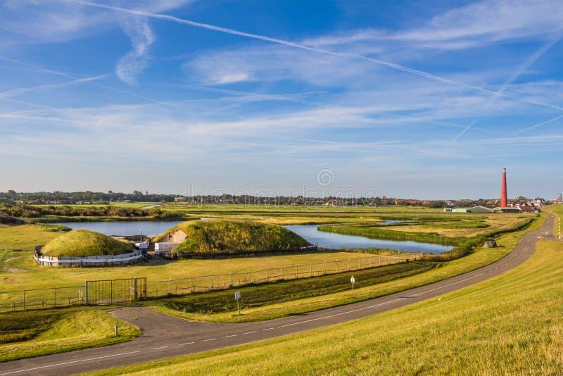 Farol e depósito velho em Den Helder Holland imagens de stock