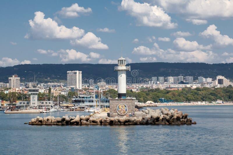 Farol em Varna, Bulgária fotografia de stock royalty free