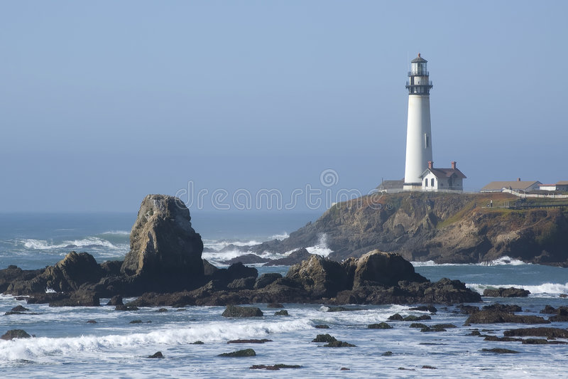 Farol na costa de Califórnia fotos de stock