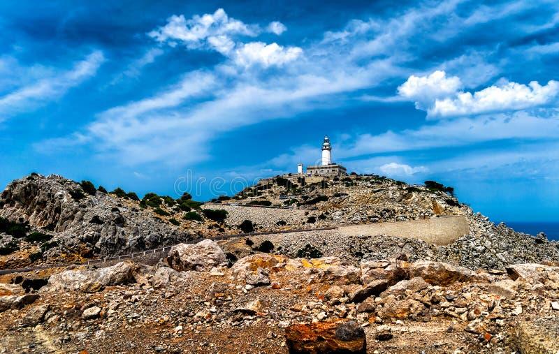 Farol no cabo Formentor na costa de Mallorca norte, Espanha fotografia de stock royalty free