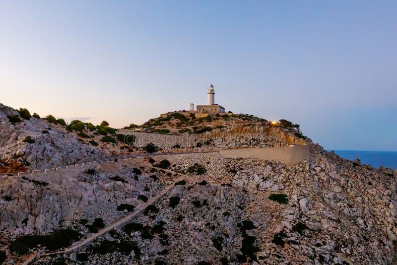 Farol no cabo Formentor na costa de Mallorca norte, Espanha Balearic Island fotos de stock royalty free