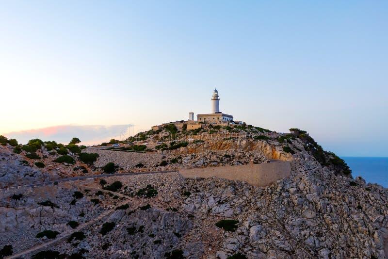 Farol no cabo Formentor na costa de Mallorca norte, Espanha Balearic Island fotos de stock