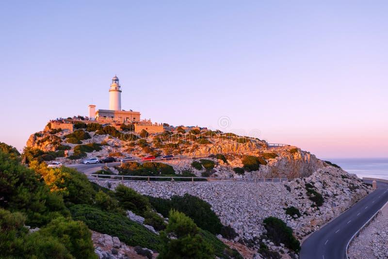 Farol no cabo Formentor na costa de Mallorca norte, Espanha Balearic Island fotografia de stock