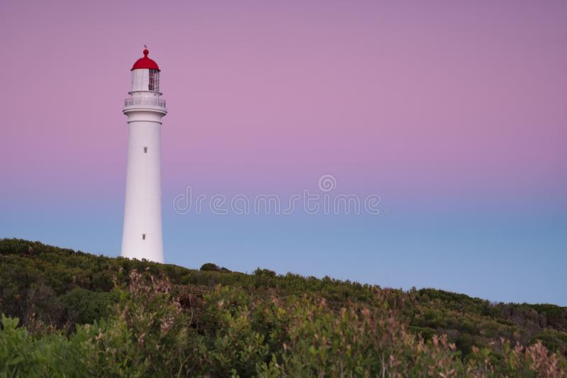 Farol rachado do ponto na grande estrada do oceano em Austrália fotografia de stock royalty free