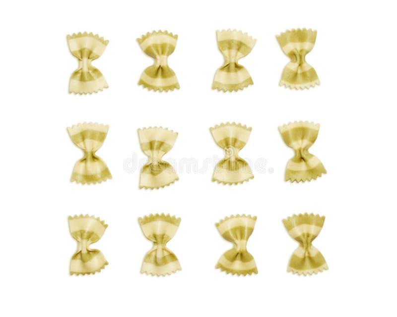 Fartalle italien de pâtes de noeud papillon d'isolement sur le fond blanc, vue supérieure photo libre de droits