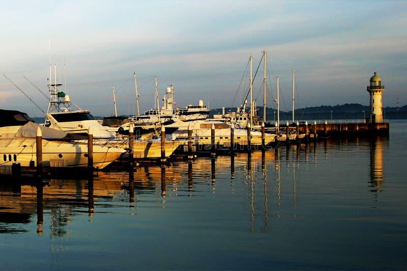 Download Fartyg arkivfoto. Bild av färg, float, hamn, färgglatt - 999046