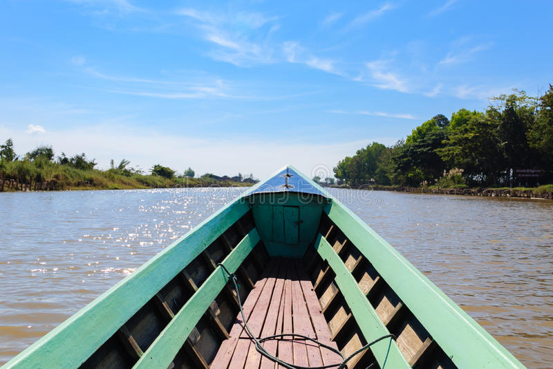 Fartyg för lång svans, inlesjö i Myanmar (Burmar) royaltyfria foton