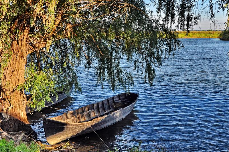 Fartyg i Donaudeltan arkivfoton