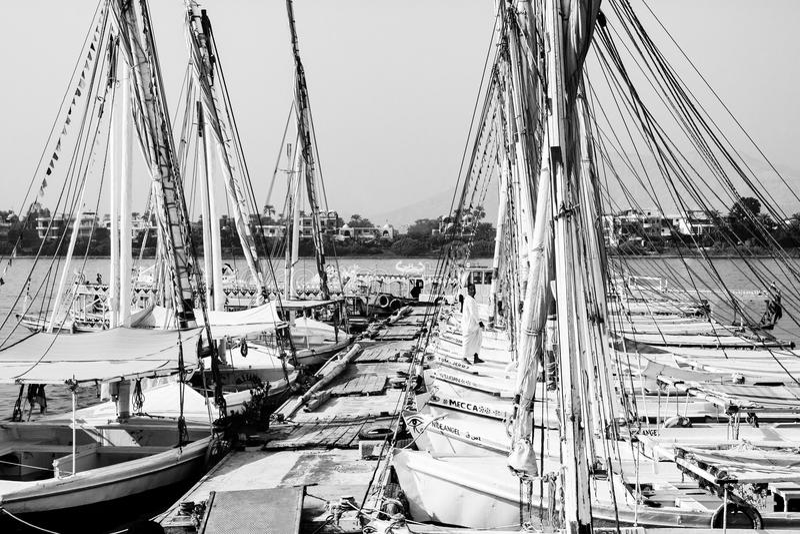 Fartyg i Luxor, Egypten royaltyfria bilder