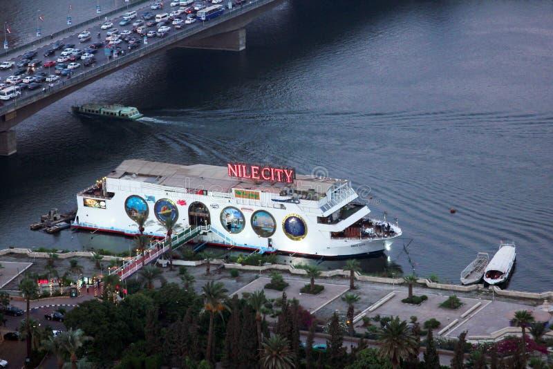 Fartyg i Nilen arkivbilder