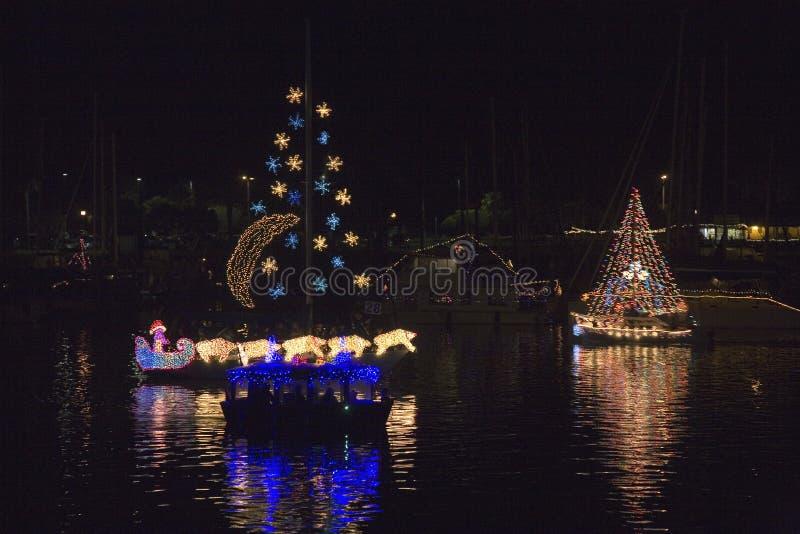 Fartyg med julljus arkivfoto