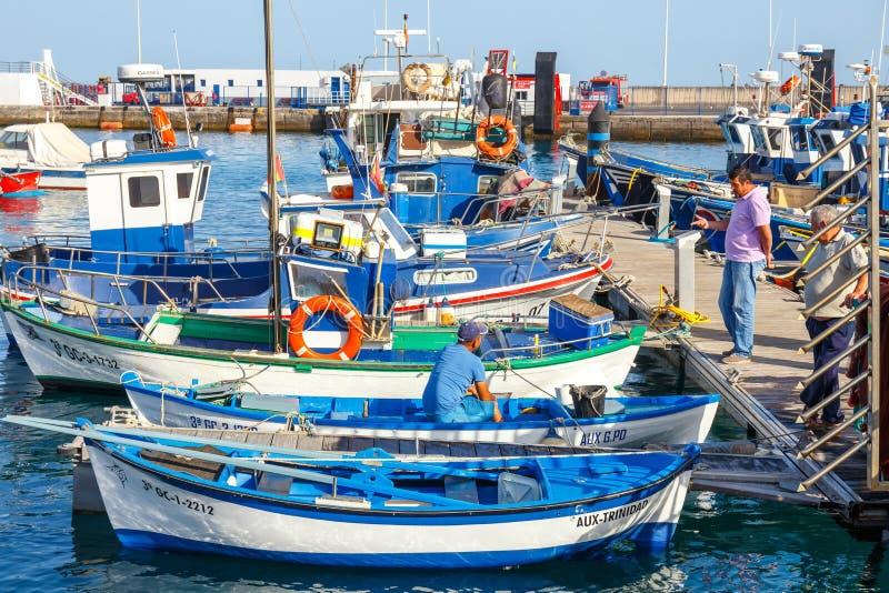 Fartyg och yachter i den Rubicon marina, Lanzarote, kanariefågelöar, Spanien arkivbilder