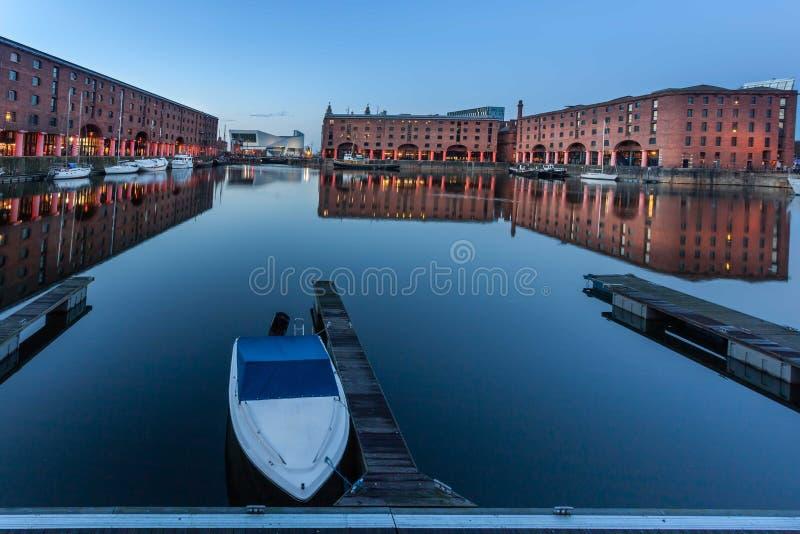 Fartyg på Albert Dock Liverpool royaltyfri foto