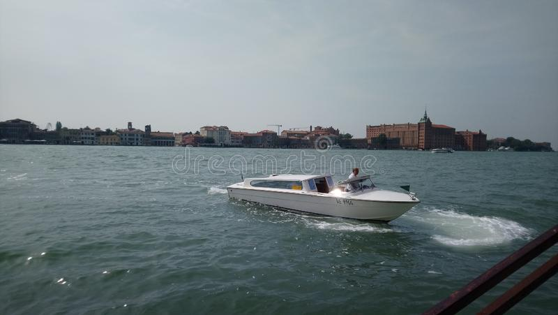 Fartyg på Venedig arkivbilder