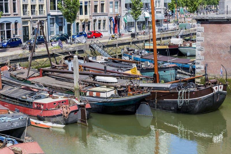fartyg som ankras i Rotterdam royaltyfria foton