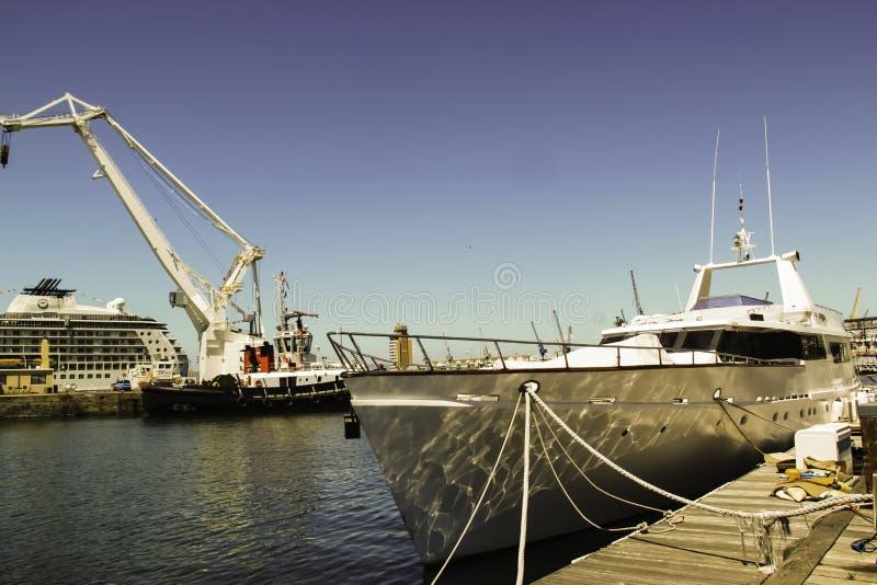 Fartyganslutning på Victoria Wharf, Cape Town fotografering för bildbyråer