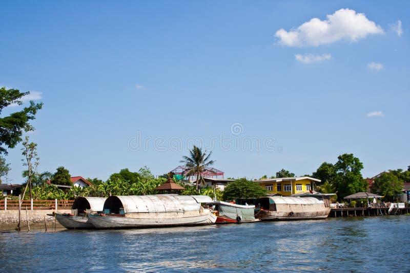 fartygchaoprayaen rive arkivfoton