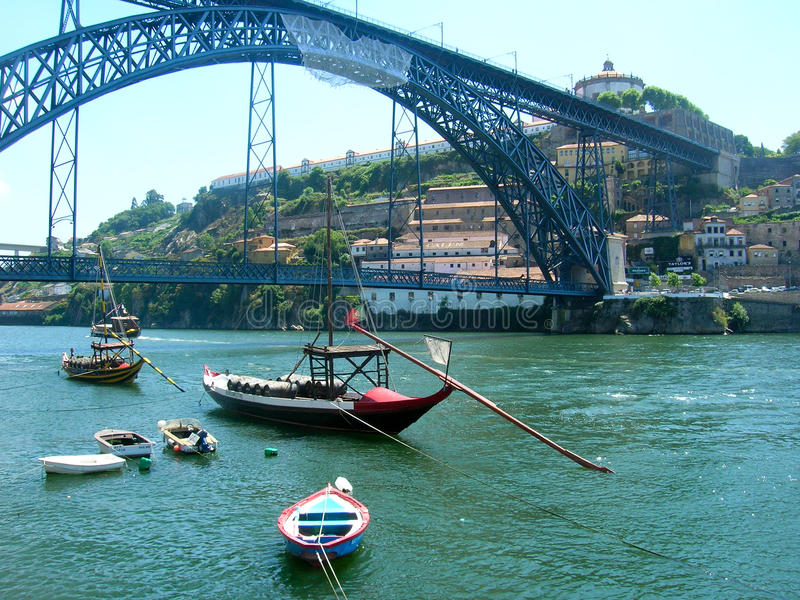 fartygdouroporto portugal flod s arkivbilder