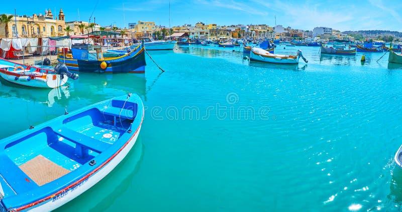 Fartygen i hamn av Marsaxlokk royaltyfria foton