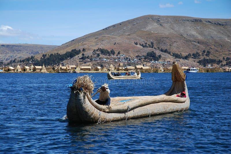 Fartyget på laken Titicaca i Peru royaltyfri fotografi
